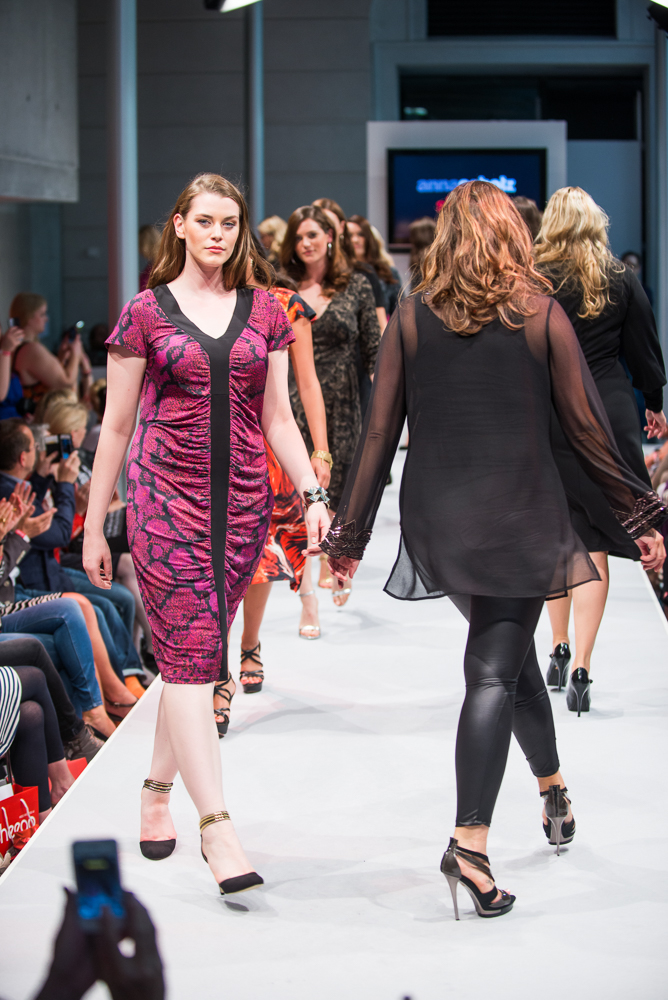 annascholz FOR sheego Kollektion  sheego Fashionshow in Berlin