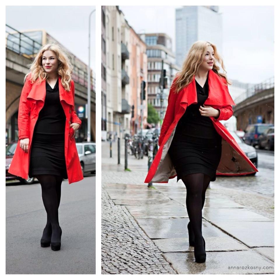 Plus-Size-Red-Trenchcoat-Model-Caterina-Pogorzelski