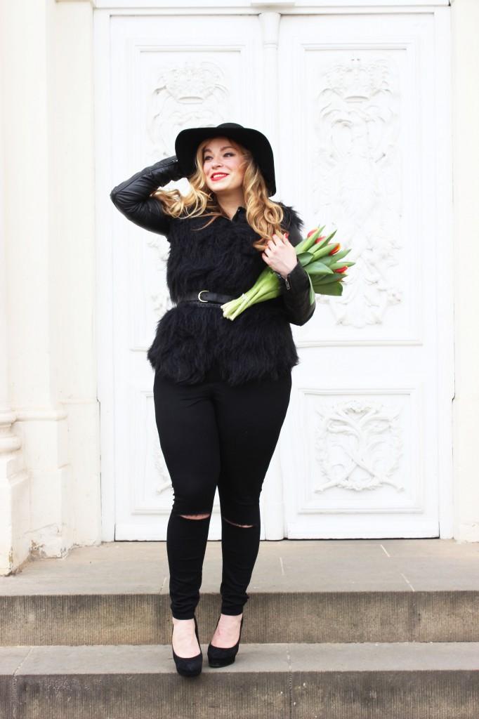 Megabambi-Caterina-pogorzelski-Junarose-black-Plus size-Outoft- Blog-Berlin