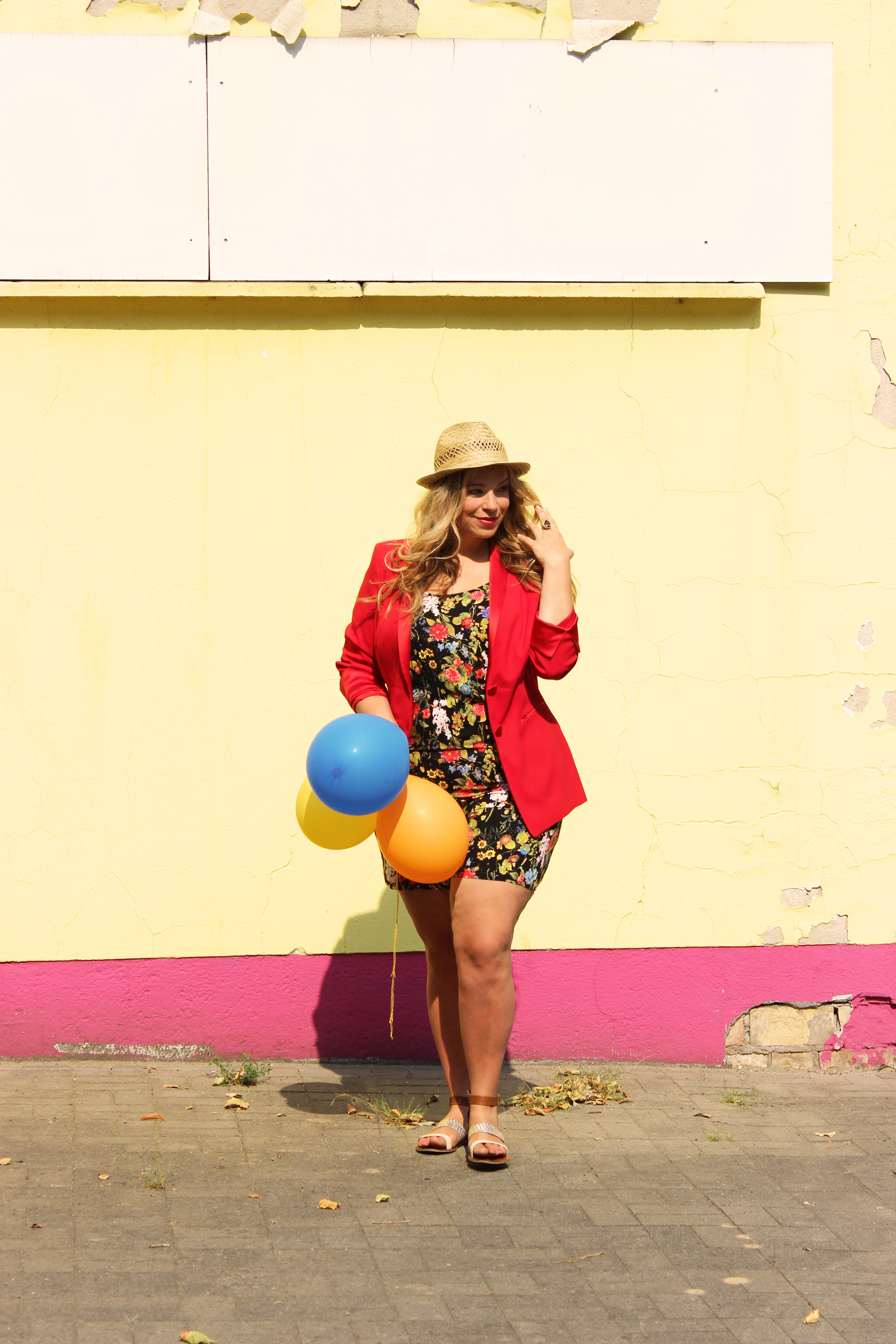 Junarose-plasuit-Megabambi-Caterina-Plussizeblogger-curvyblogger-plussizeootd