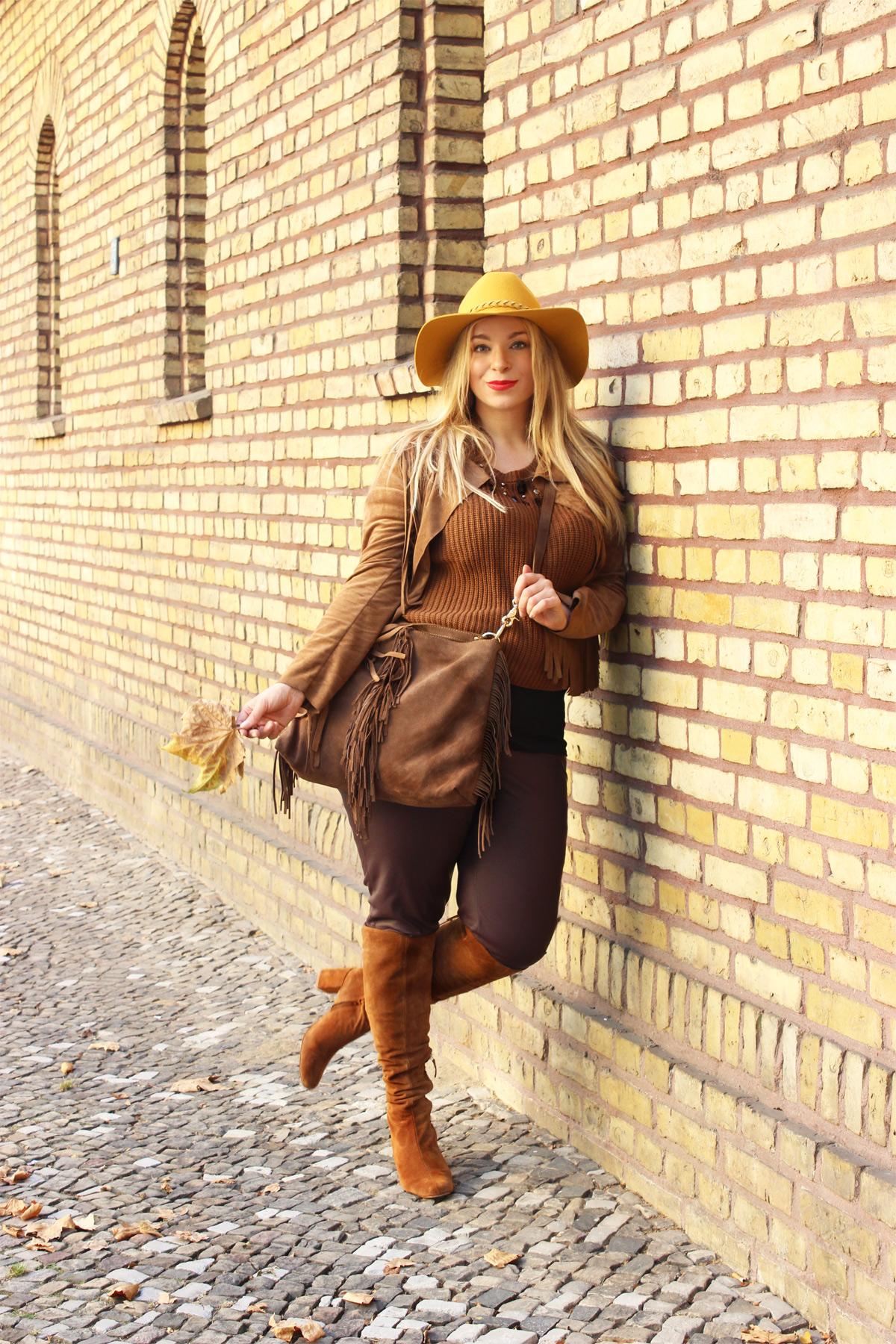 Outfit-Plussizeblog-caterina-pogorzelski-Megabambi-Plussizemodel
