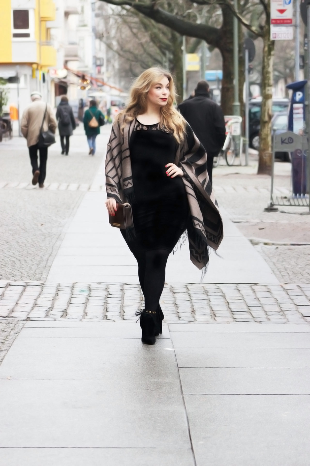 Megabambiblog-Plussizemodel-caterinapogorzelski-Oona-Junarose -Dress