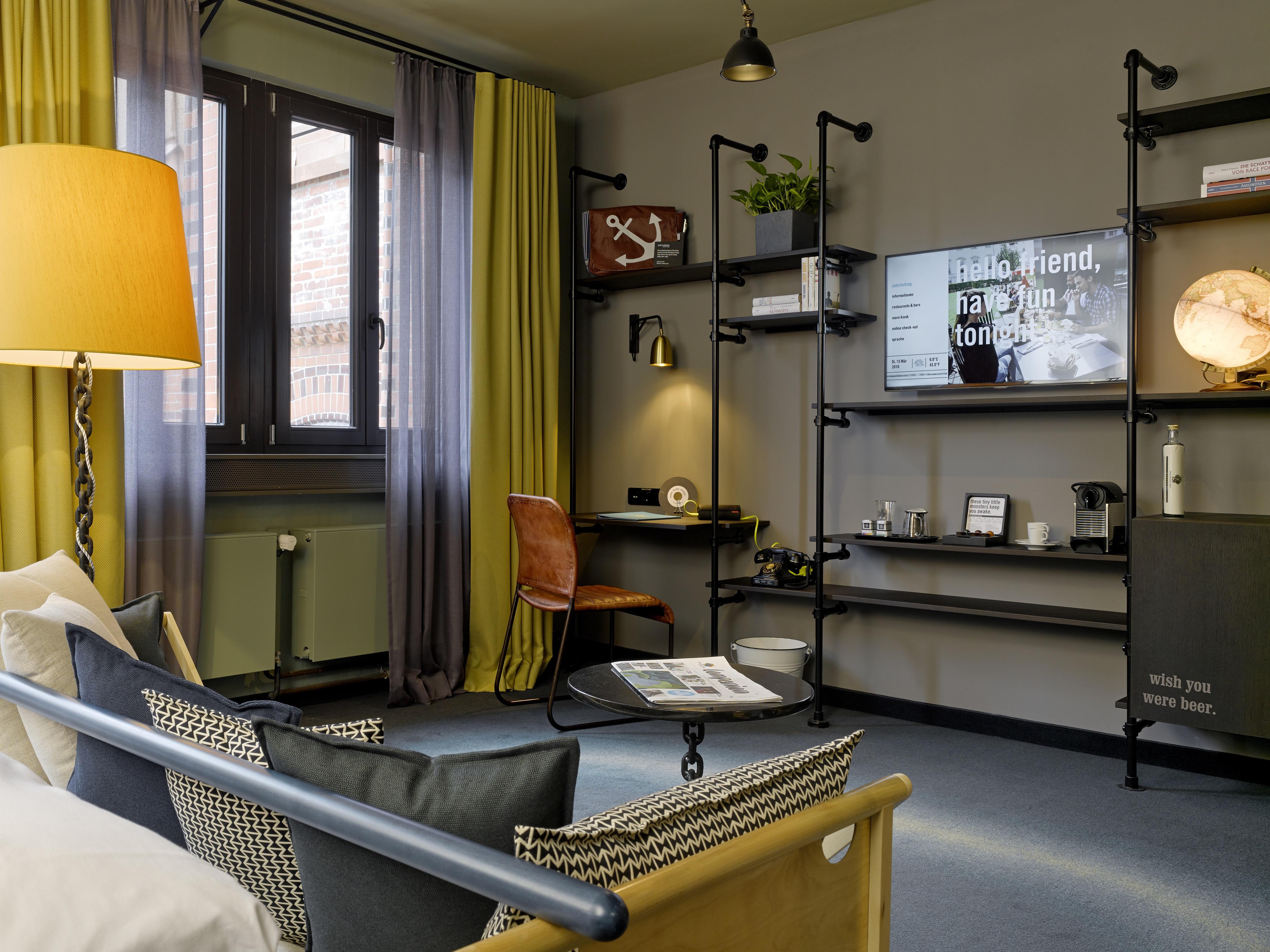 25hours_Hotel_Altes_Hafenamt_L_Stube_gross-7-1