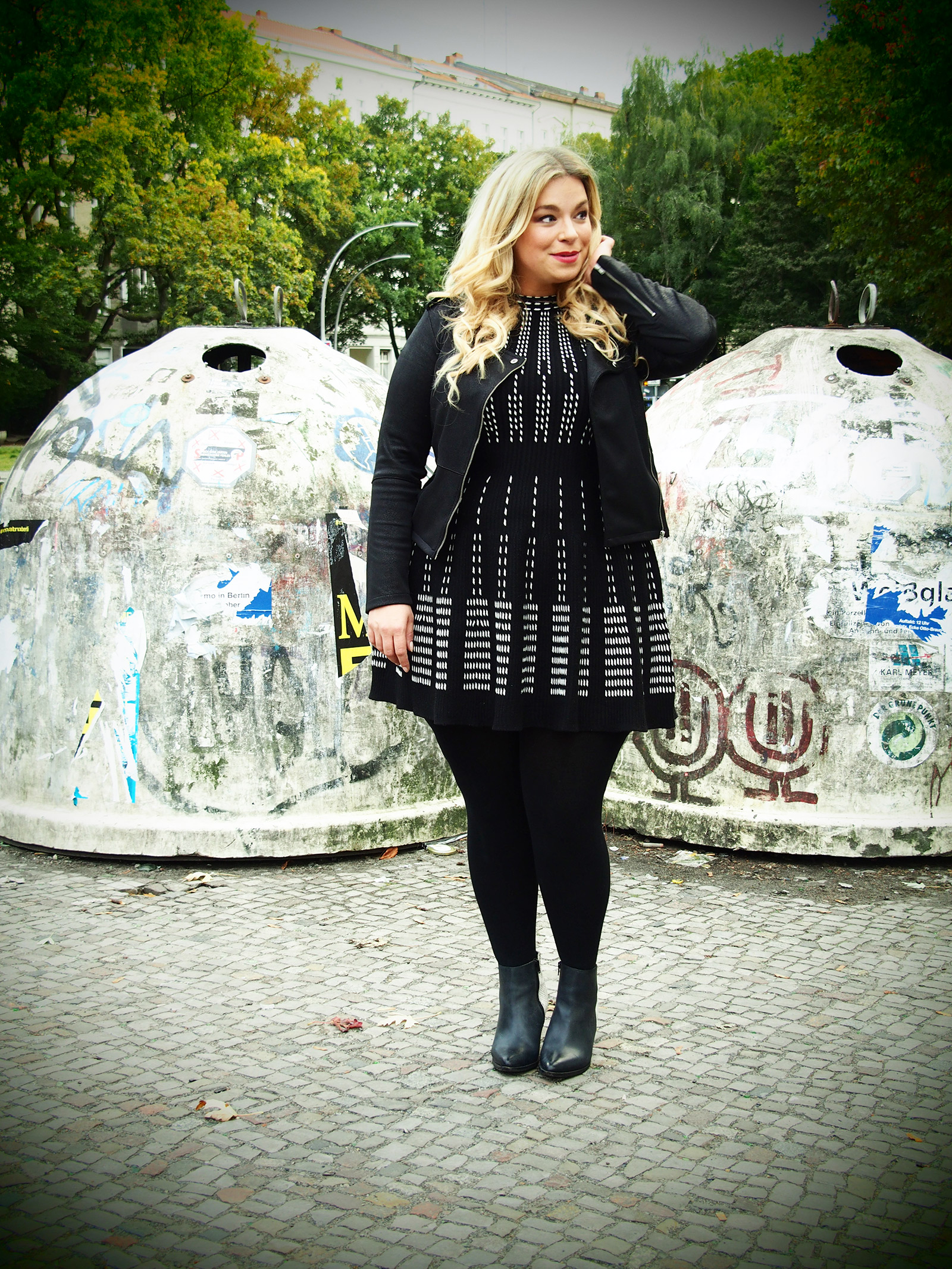 Strickleid-plussizeblogger-Megabambi-fashionblog-caterina-pogorzelski-curvymodel