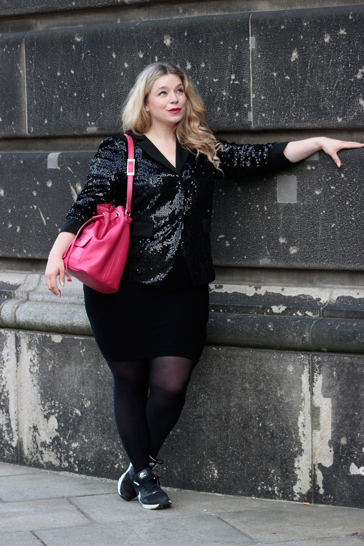 Pailetten-Blazer-plussizeblogger-Megabambi-fashionblog-caterina-pogorzelski-curvymodel