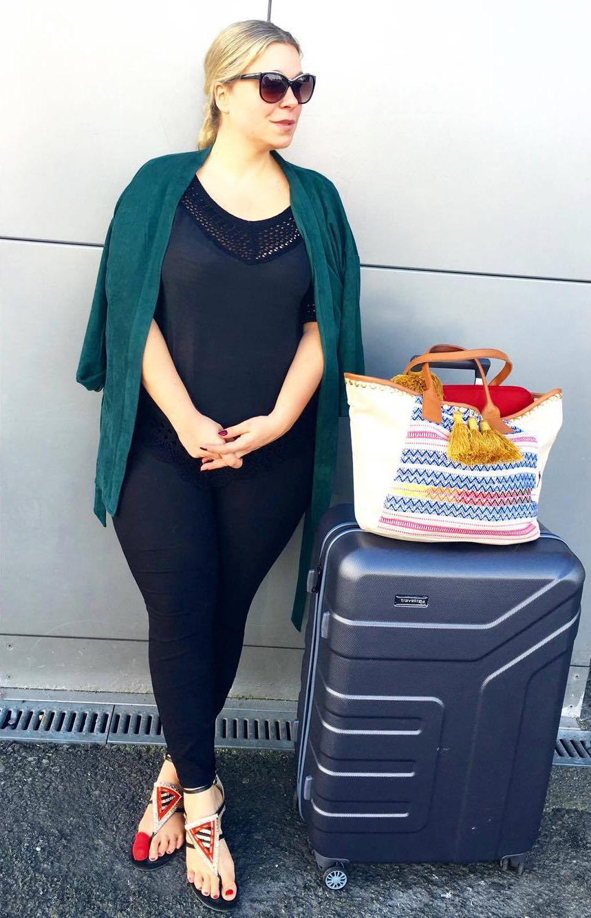 travelitevector-caterina-pogorzelski-Megabambi-Plussizeblogger-curvymodel