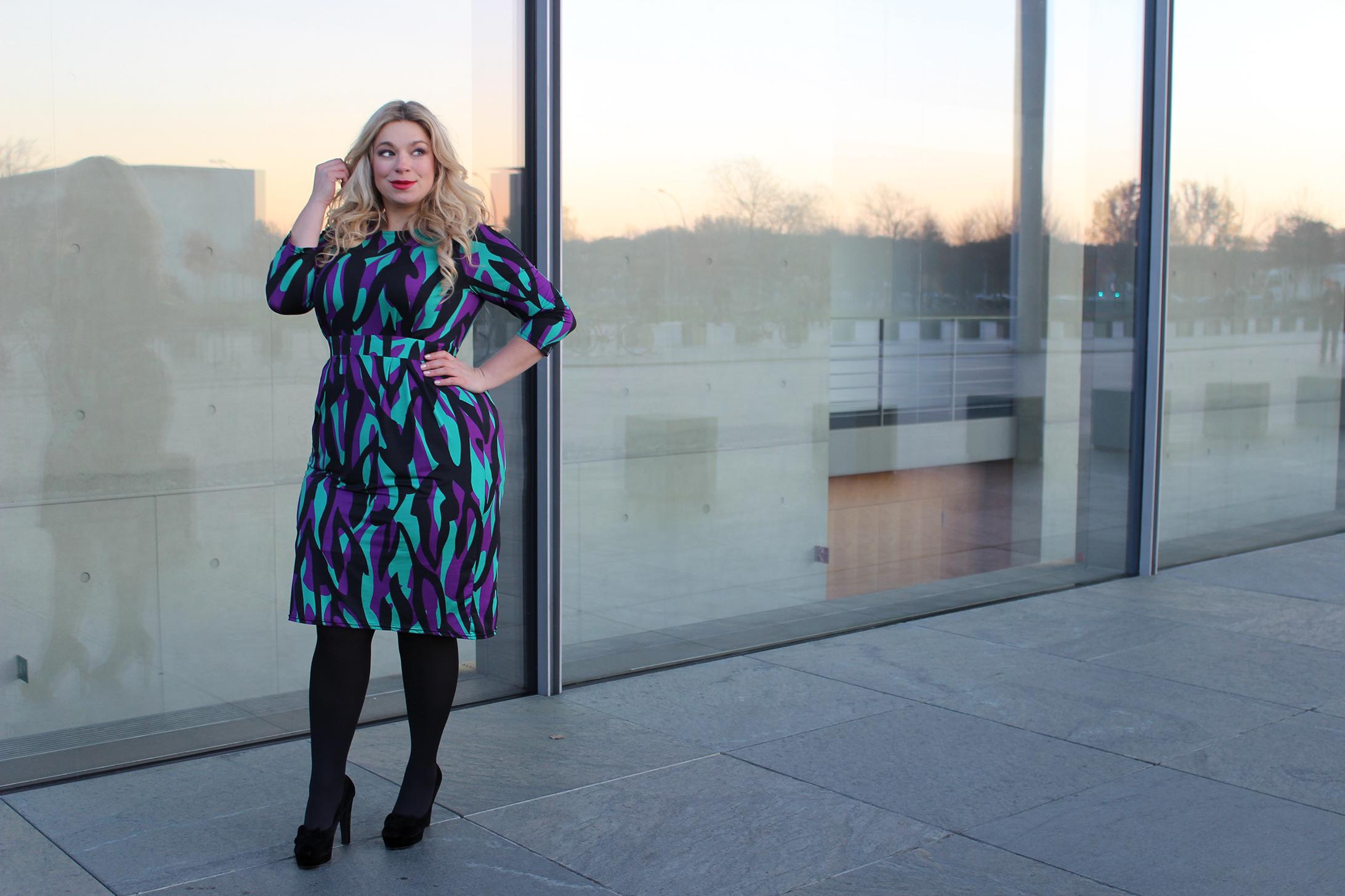 Megabambi-caterina-Fashionblogger-Kleid-große-groessen-Anna-Scholz