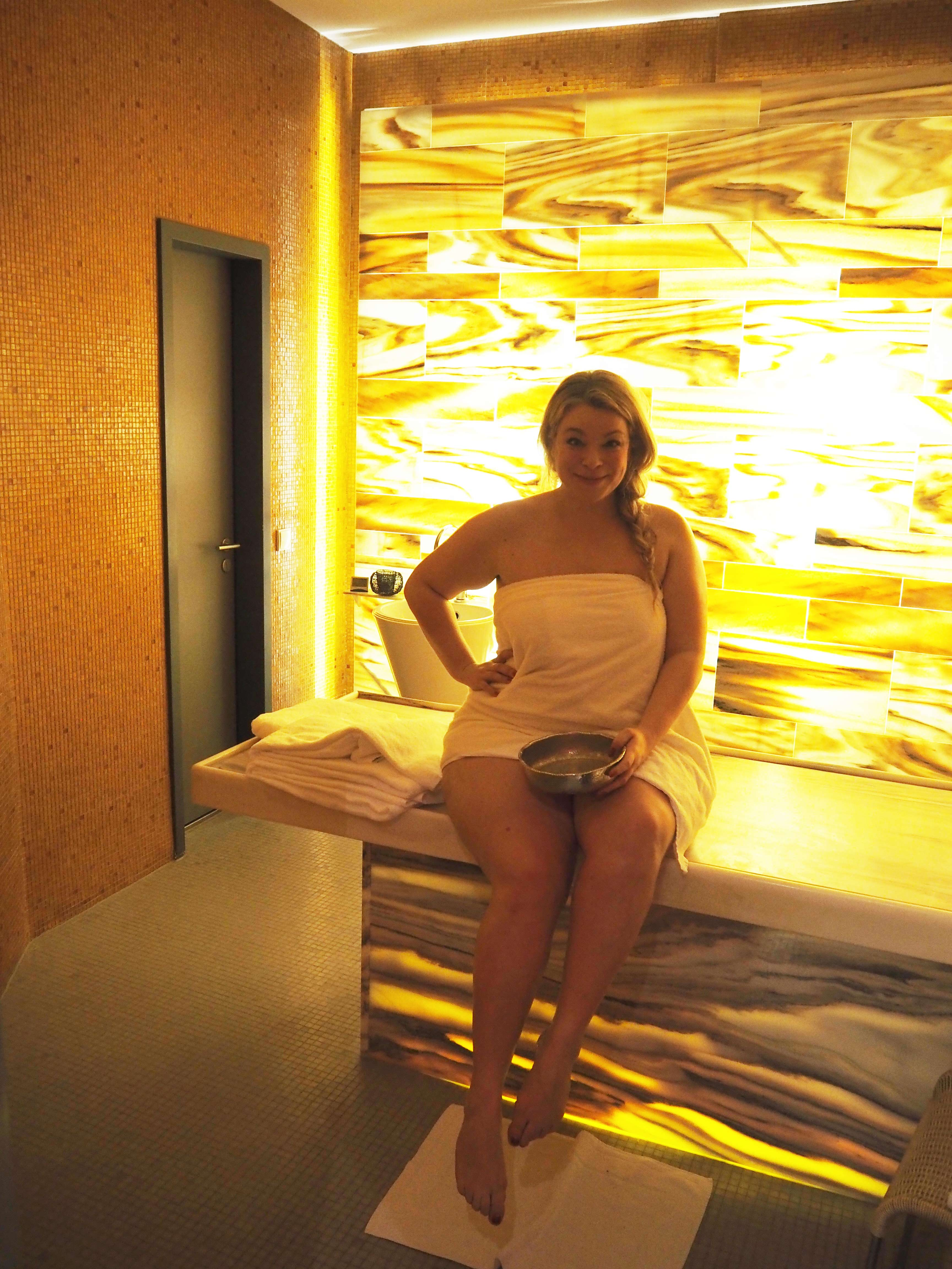 Plussize-Spa-Anwenungen-Massage-Caterina-Megabambi-Blog-Esplanade-Hotel-Livestyle
