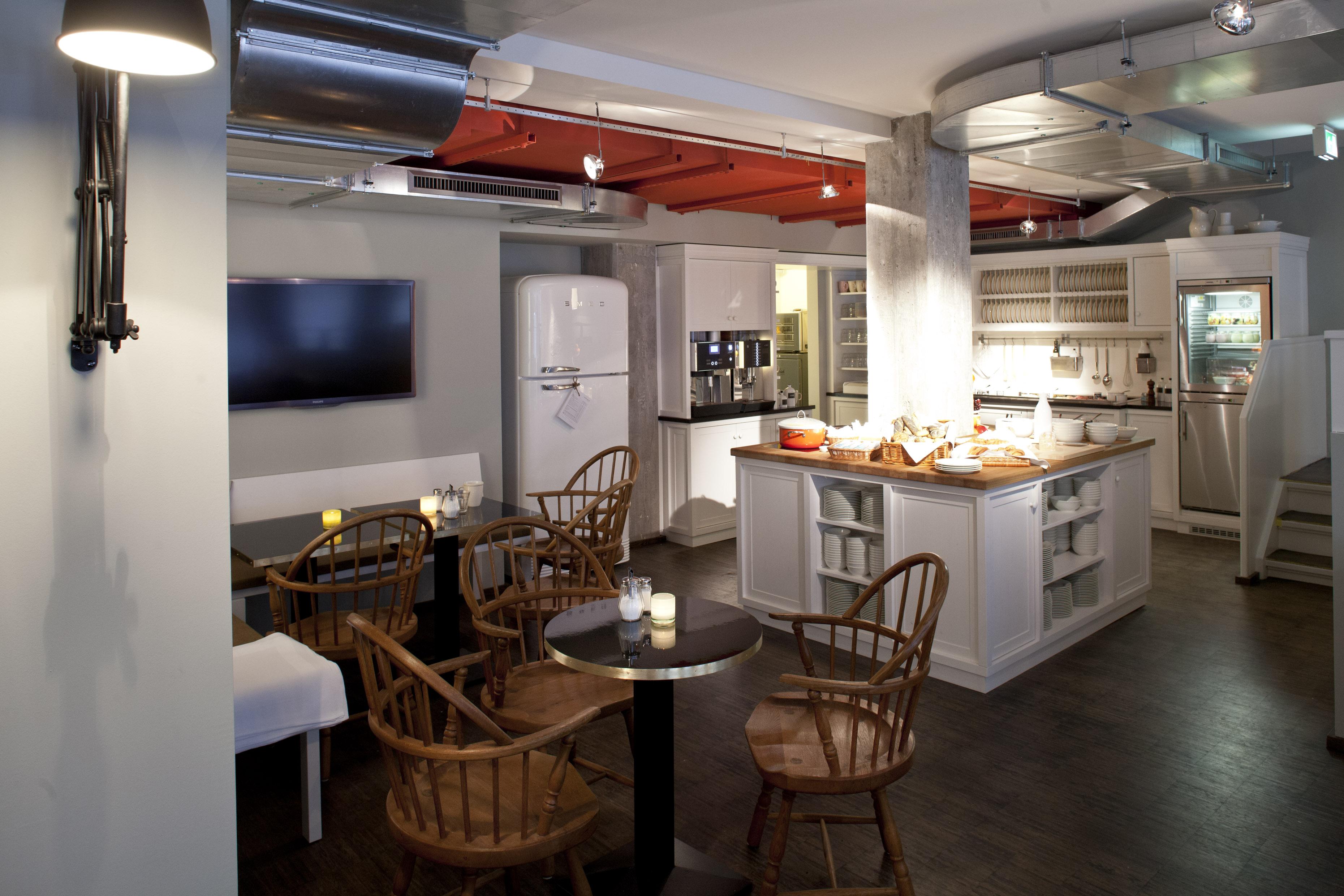 hamburg hotel henri megabambi. Black Bedroom Furniture Sets. Home Design Ideas