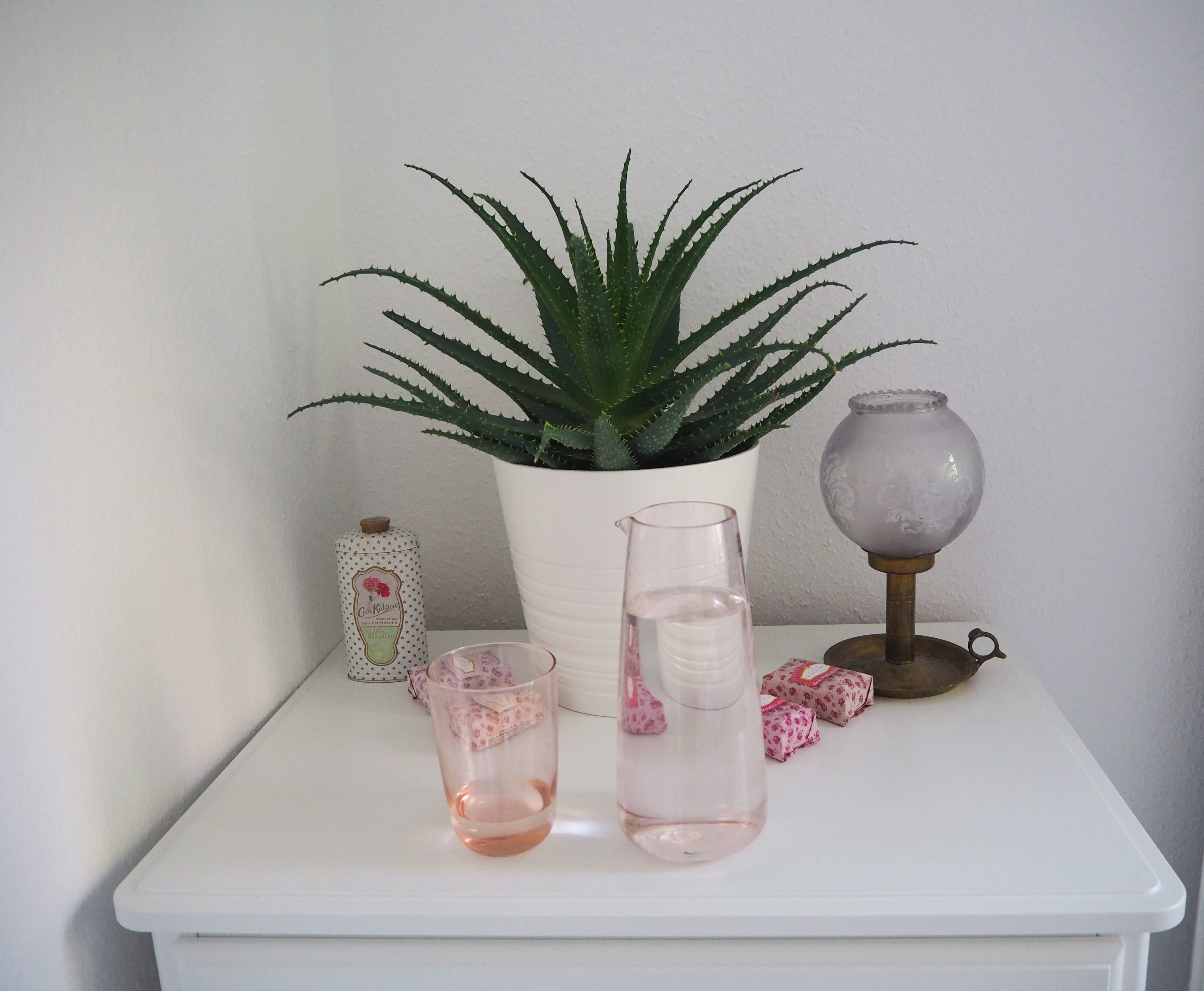 mein versuch 8 wochen lang mehr wasser zu trinken megabambi. Black Bedroom Furniture Sets. Home Design Ideas
