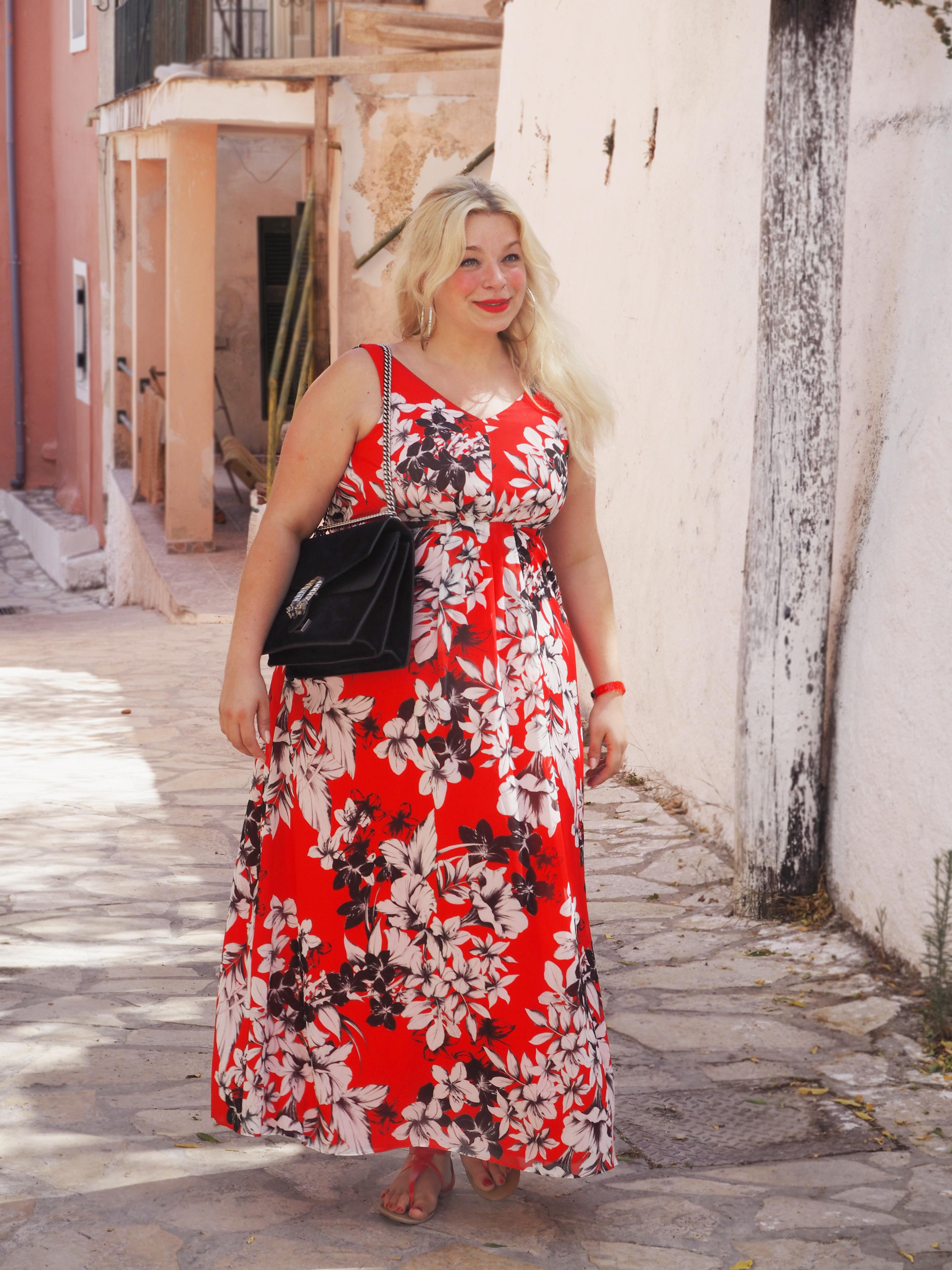 Caterina-pogorzelski-Megabambi-navabi-Plussizeblogger-Curvyfashion