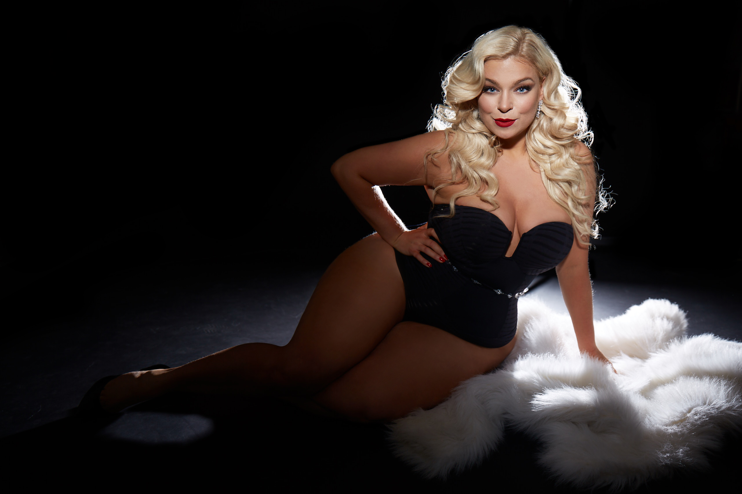 caterina-pogorzelski-Megabambi-Marina-Rinaldi-Bloggerin-Plussize-Curvy-Moderatorin-Plussize-Model