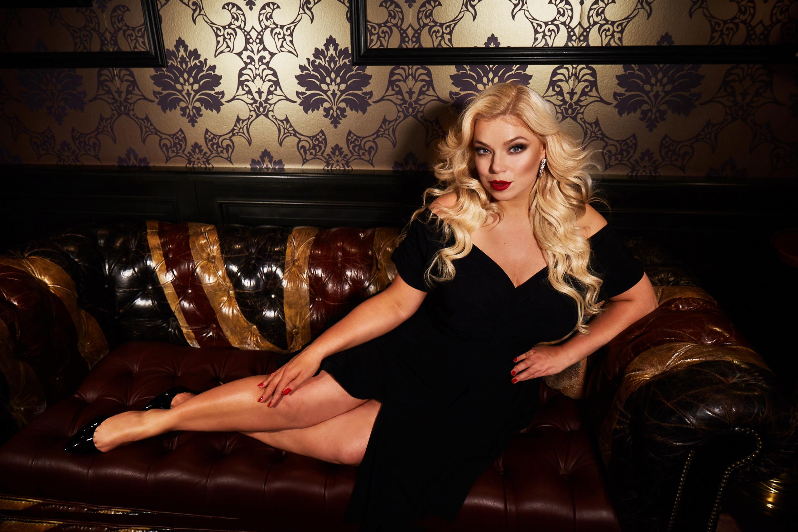Caterina-pogorzelski-Plussize-Curvy-Model-Moderatorin-Megabambi