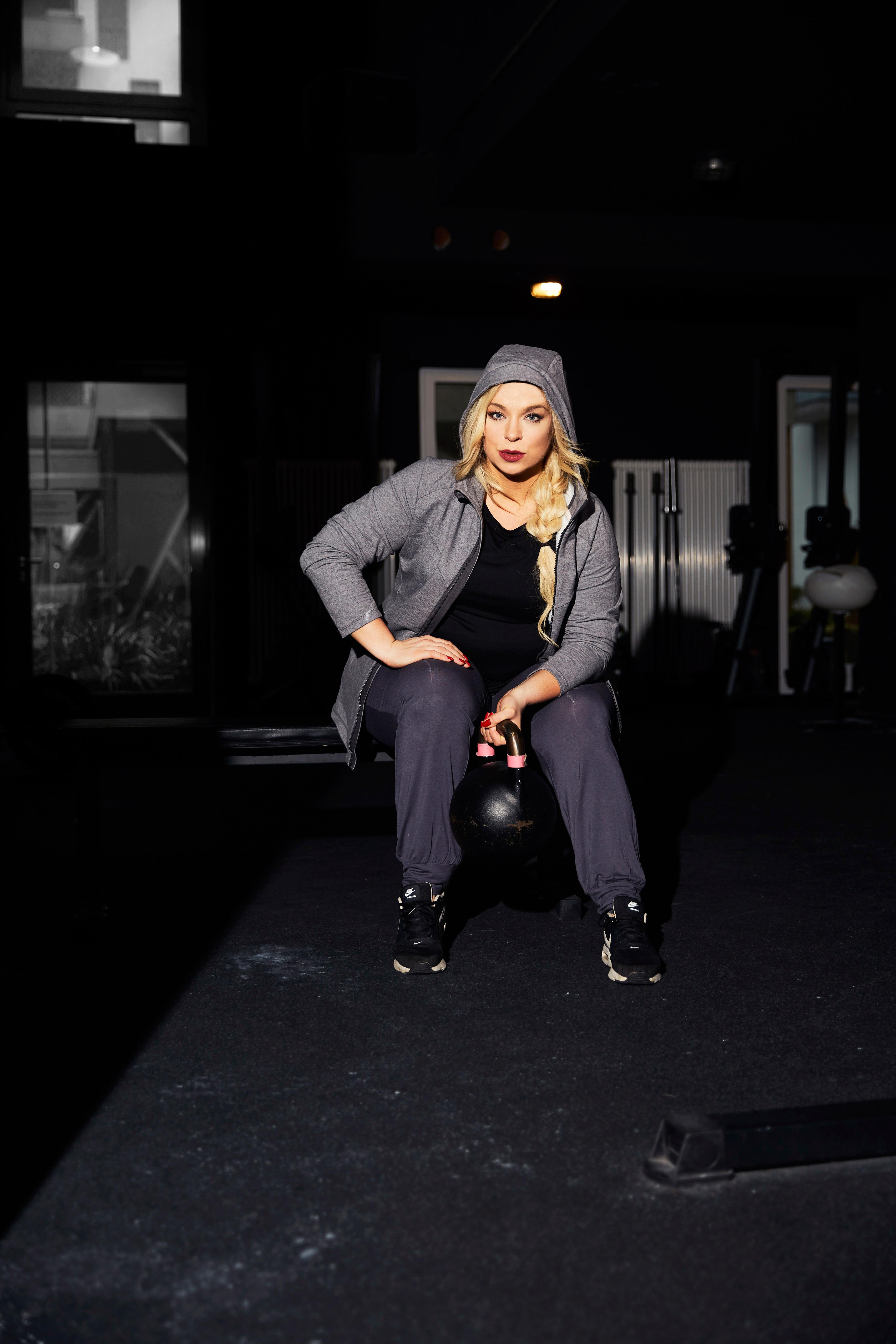Caterina-Sport-curvy-plussize-sport-Nike-schaufensterpuppen-sport-pogorzelski