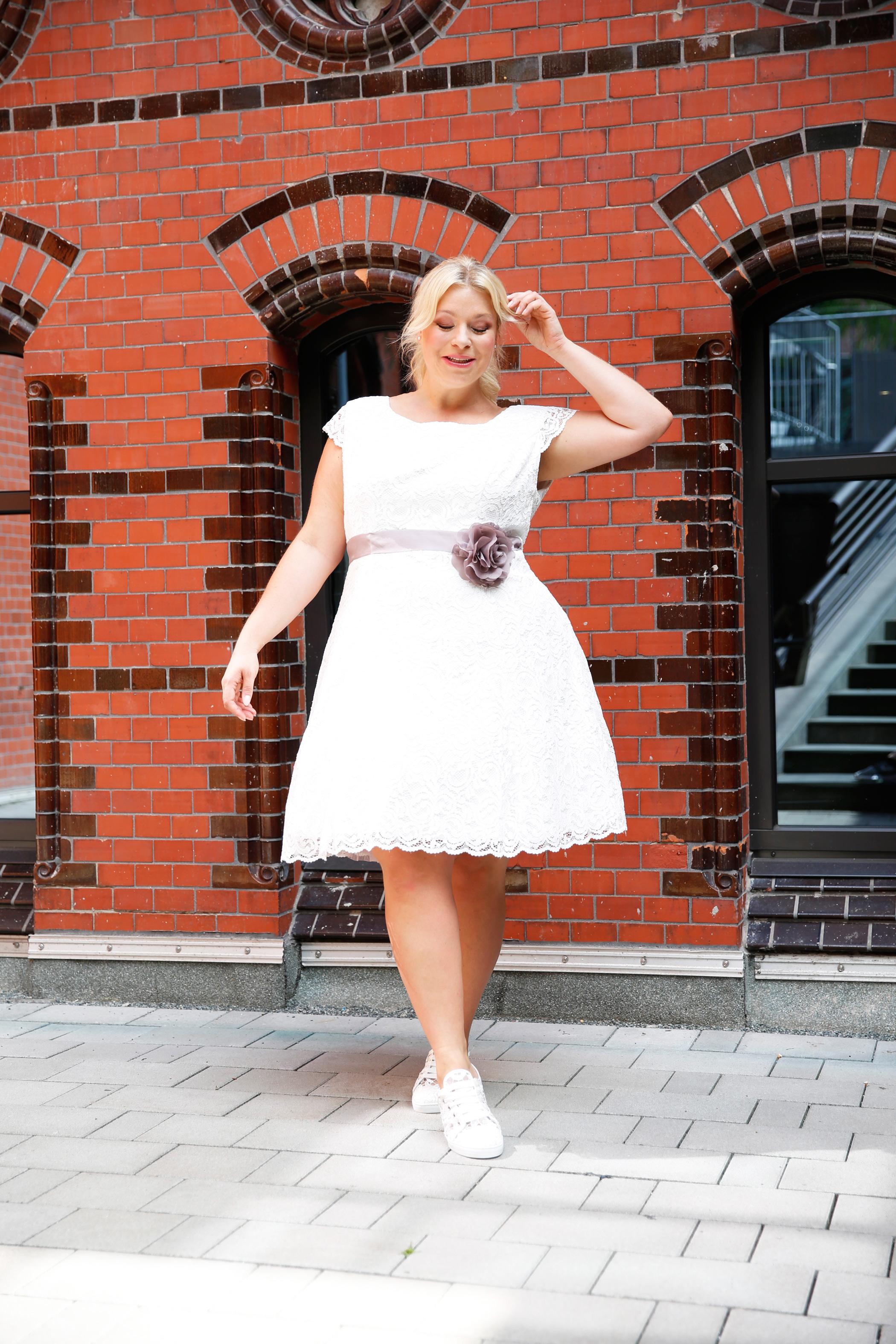 Caterina-pogorzelski-Megabambi-PLussizemodel-Bloggerin-Berlin-braut-plus-size-curvy