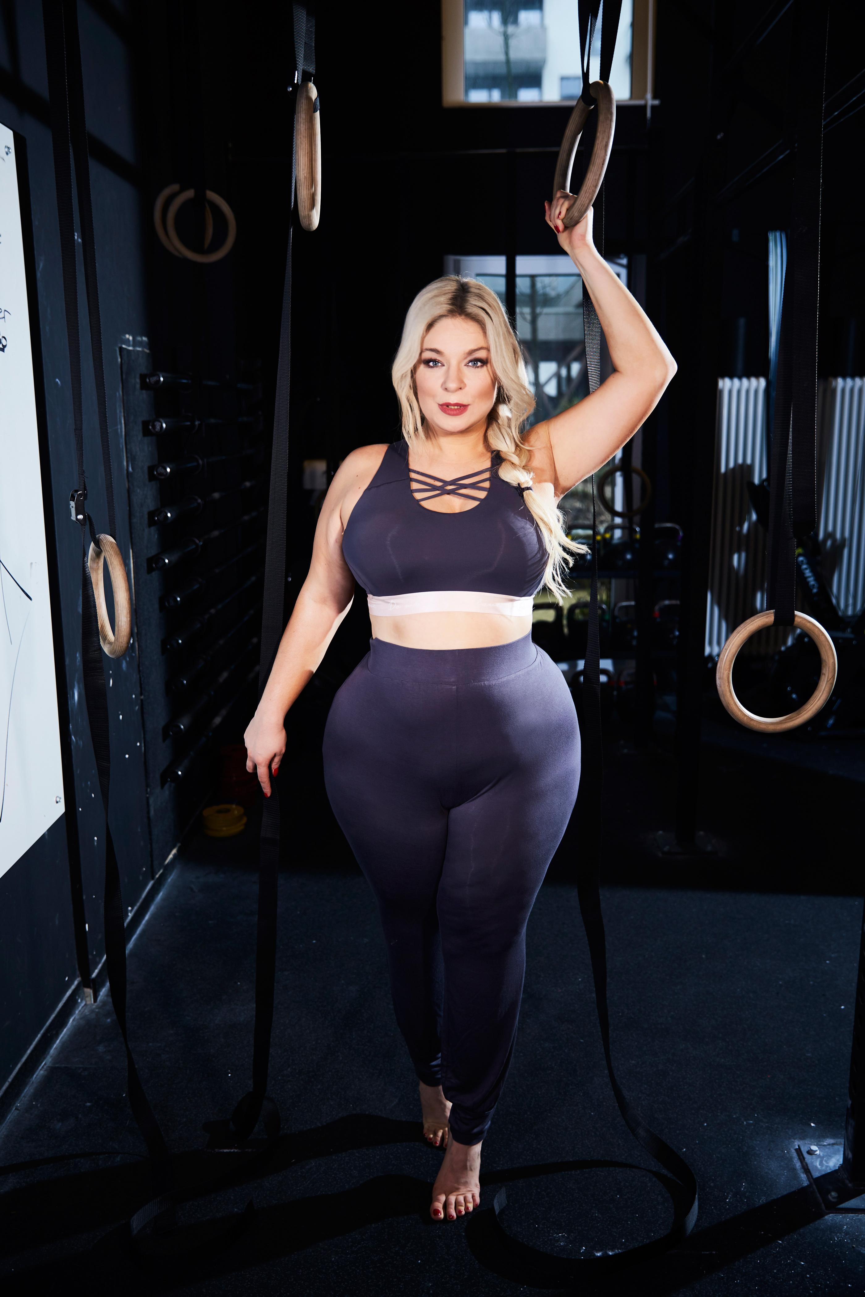 Caterina-Sport-megabambi-Plussize-Curvy-Positives-denken-Nike-schaufensterpuppen-sport-pogorzelski